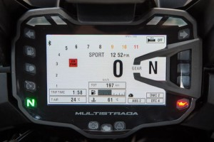 New TFT colour dash display is fitted to the S model