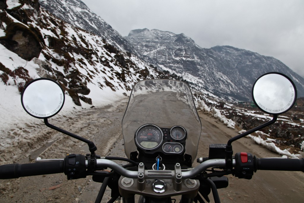 Appraching Sela Pass